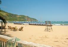 Пляж и рыбацкие лодки Стоковые Фотографии RF