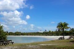 Пляж и таблицы Стоковое Фото