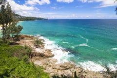 Пляж камня моря океана Стоковые Изображения