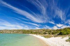 Пляж на лагуне Langebaan - национальном парке западного побережья, Южной Африке Стоковые Изображения RF