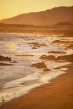 Пляж на заходе солнца, San Simeon стоковые фото
