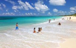 Пляж на острове рая Стоковые Изображения