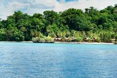 Пляж на острове Bomba Острова Togean Индонезия Стоковые Изображения