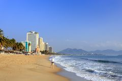 Пляж на утре, Вьетнам города Nha Trang Стоковое Изображение