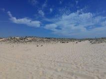 Пляж, небо и вода Стоковые Изображения RF