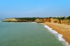Пляж Новы Senhora Da Rocha в Португалии Стоковая Фотография RF