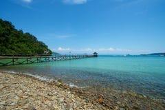 Пляж острова в Сабахе Малайзии стоковые фотографии rf