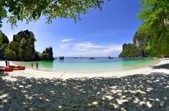 Пляж острова Hong, Таиланд Стоковые Изображения