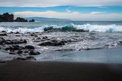 Пляж песка черноты арены Ла Playa вулканический Стоковые Фотографии RF