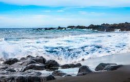 Пляж песка черноты арены Ла Playa вулканический Стоковая Фотография RF