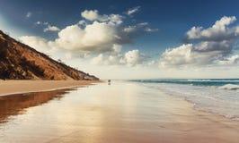 Пляж радуги стоковые изображения rf