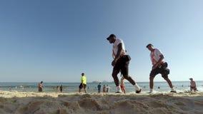 Пляж Рио-де-Жанейро Бразилия Ipanema военной полиции видеоматериал