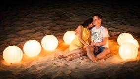 Пляж, романс, свет, пара Стоковое Фото