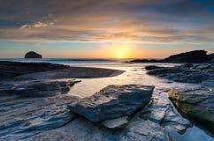 Пляж стренги Trebarwith стоковые фотографии rf