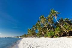 Пляж с белым песком на острове Boracay Стоковое Изображение RF