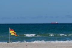 Пляж с взглядом океана Стоковая Фотография