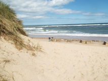 Пляж с песчанными дюнами стоковая фотография rf