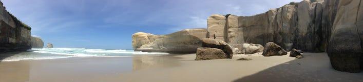 Пляж тоннеля стоковые изображения rf