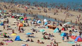 пляж толпился лето видеоматериал