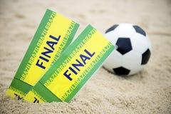 Пляж футбольного мяча футбола 2 билетов выпускных экзаменов Бразилии Стоковое Изображение