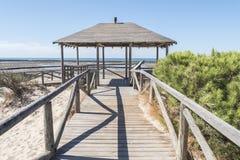 Пляж чистосердечности Punta, расписание дежурств, Кадис, Испания Удя плотина, плотина рыб, Стоковые Фото