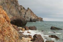 Пляж яшмы накидки Fiolent, Крыма Стоковые Фото