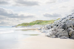 Пляж Ballybunion около поля для гольфа связей Стоковая Фотография RF