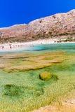 Пляж Balos. Взгляд от острова Gramvousa, Крита в водах бирюзы Greece.Magical, лагунах, пляжах стоковое изображение