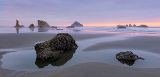 Пляж Bandon на сумерк Стоковое фото RF