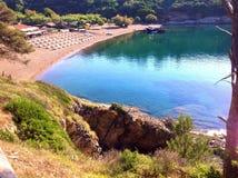 Пляж Barbarossa в Порту Azzurro, Италии Стоковая Фотография