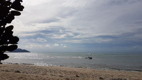 Пляж Batu Feringghi в острове Penang Стоковое фото RF