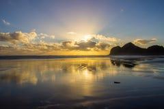 Пляж Bethells стоковое изображение