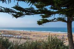 Пляж Carcavelos в Carcavelos, Португалии Стоковое фото RF