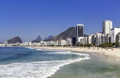 Пляж Copacabana в Рио-де-Жанейро стоковая фотография rf