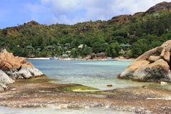 Пляж острова Praslin, Сейшельских островов, Cote d'Or Стоковое фото RF