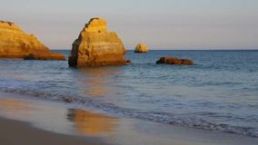 Пляж Da Rocha Алгарве акции видеоматериалы