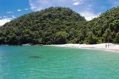 Пляж Dentista в Ilha большом, Рио-де-Жанейро - Бразилии Стоковые Фото
