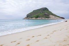 Пляж dos Bandeirantes Recreio в Рио Стоковые Изображения RF