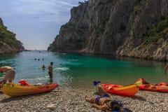 Пляж En Vau Calanque стоковые фотографии rf