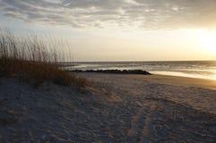 Пляж Hilton Head, восход солнца Южной Каролины Стоковые Изображения