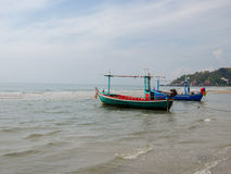 Пляж HuaHin рыбацкой лодки Стоковое фото RF