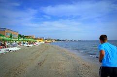 Пляж jogging, Румыния Mamaia Стоковая Фотография RF