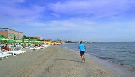 Пляж jogging, Румыния Mamaia Стоковое Фото