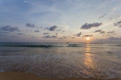 Пляж Kata захода солнца Стоковые Изображения