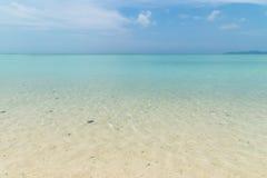 Пляж Kondoi в острове Taketomi, Окинаве Японии Стоковые Фото