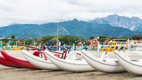 Пляж Marmi dei сильной стороны, Тоскана, Италия Стоковые Фотографии RF