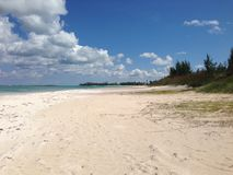 Пляж Med клуба, Эльютера, Багамские острова Стоковое фото RF