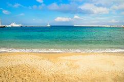Пляж Mykonos Стоковое Изображение