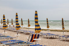 Пляж numana в Conero riviera, Марше, Италии стоковое изображение