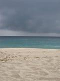 Пляж overcast стоковые изображения rf